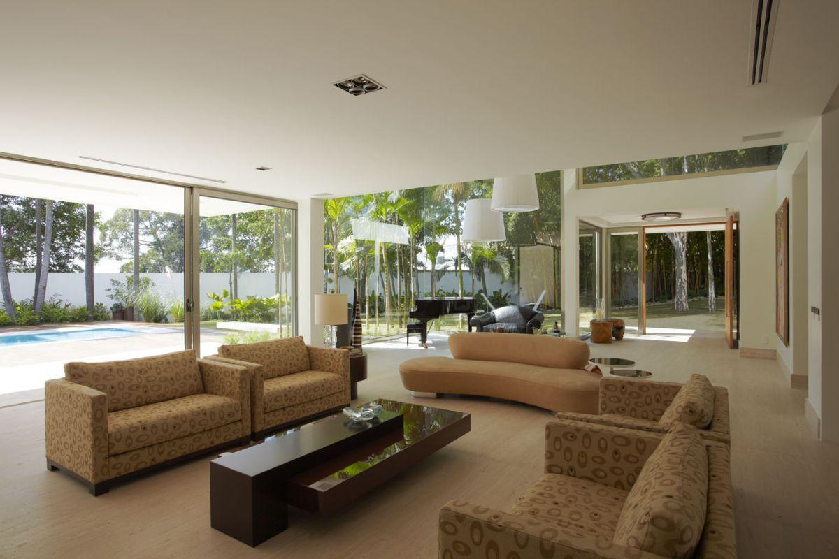 Arqbest arqbest arquitetura drucker cria casa moderna for Interior de casas modernas