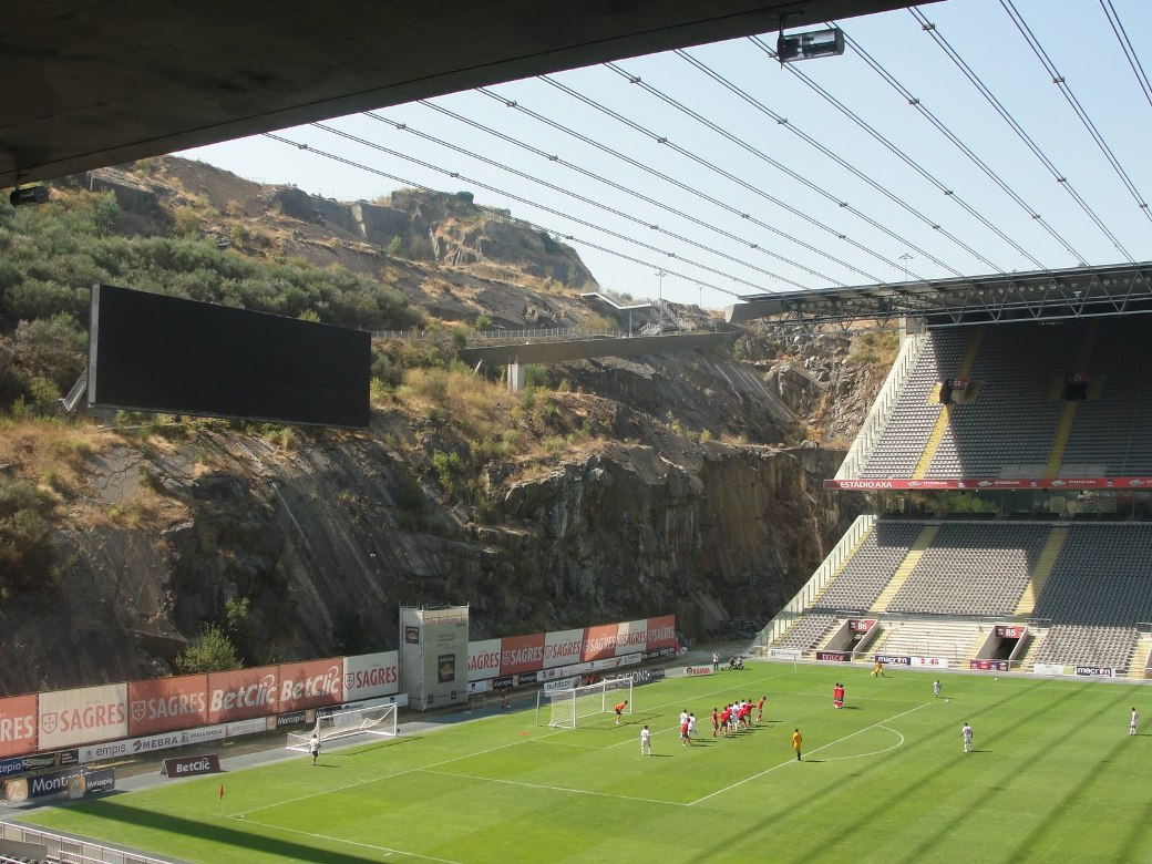 Estadio Municipal de Braga, AXA